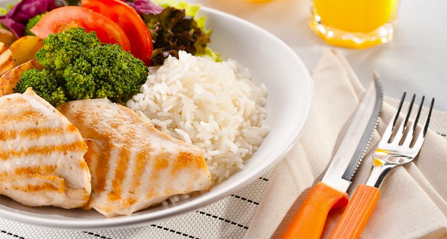 Blog 5àsec - Como manter uma alimentação balanceada fora de casa